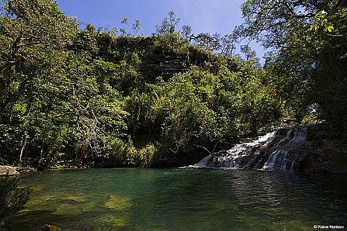 Poço da Esmeralda um dos 10 lugares paradisíacos e exóticos do Brasil